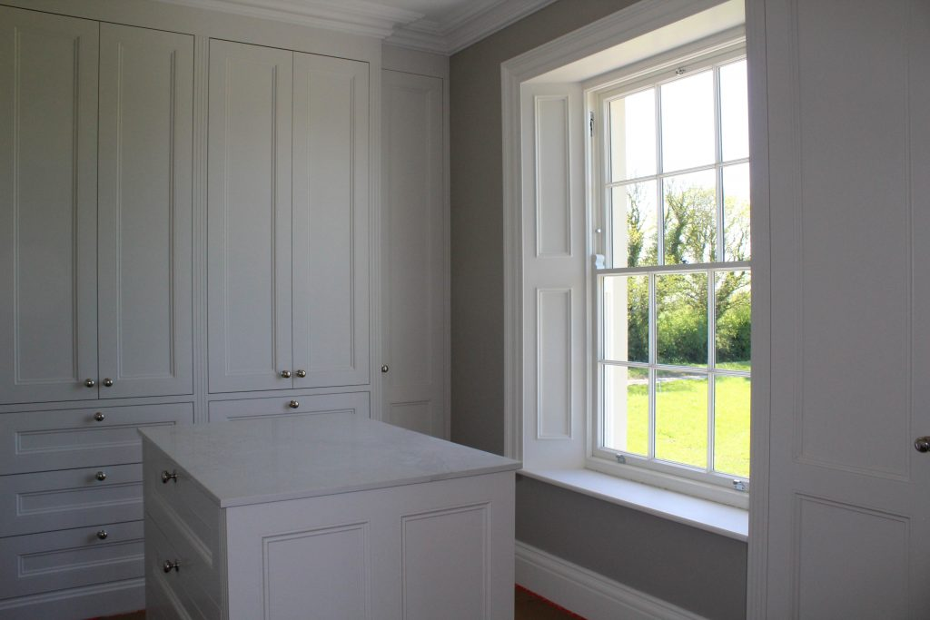Dressing room sash window